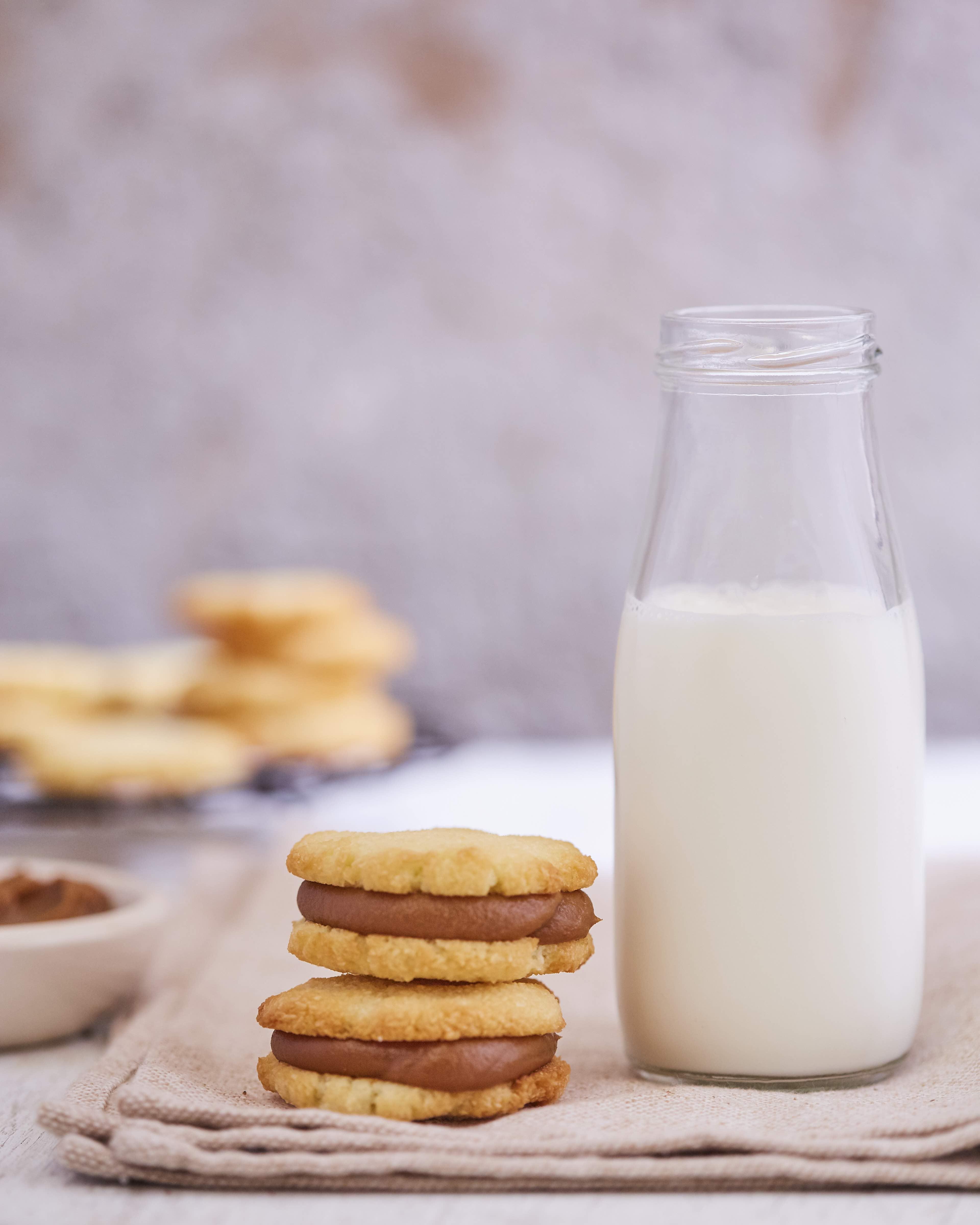 3-Alfajores de coco y dulce de leche foto